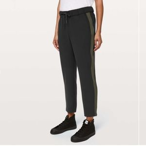 Lululemon On The Fly Pant Woven *Track Stripe 6